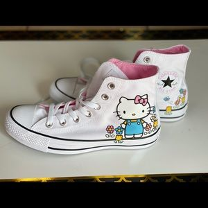 Hello Kitty Converse Unisex Size 5 M or 7 WM